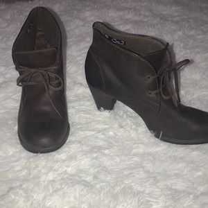 Clark's Leather Ankle Boots size 9.5